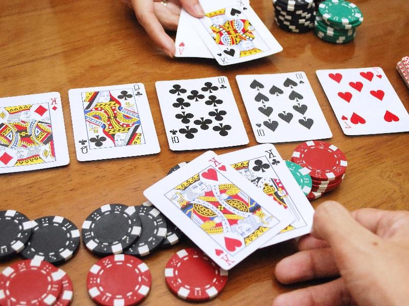 Tehnik Bluffing Pada Permainan Poker Online